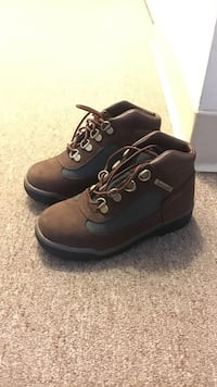 men's pair of brown-and-gray hiking boots Fort Washington, 20744