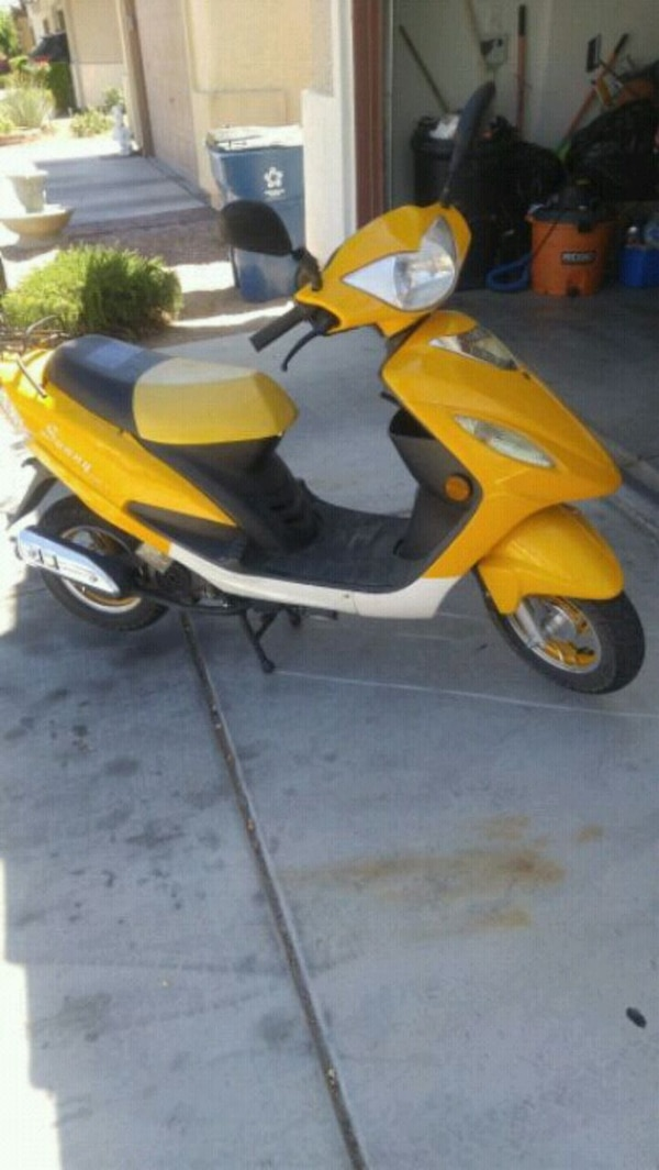 Mopeds For Sale Las Vegas >> Yellow And Black Motor Scooter
