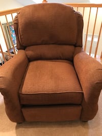 brown fabric padded sofa chair Ashburn, 20147