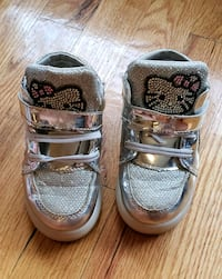 Hello kitty toddler silver shoes size 7/8 Chicago, 60652