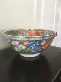 Floral china serving bowl Surrey, V4N