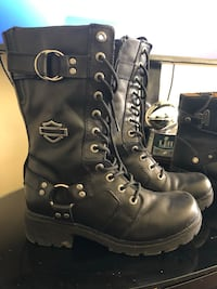 Pair of black leather boots Frederick, 21703