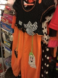 Halloween outfit size T2 West Palm Beach, 33418