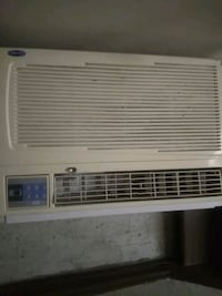 Carrier.  Home air conditioner (Like New) Chicago, 60639