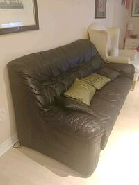 Black leather sofa couch Vaughan, L6A 3A4