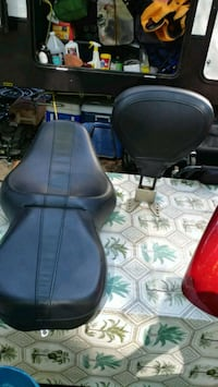 07 road glide seat and front finder Lothian, 20711