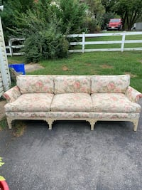 Rose Couch Barely Used Gaithersburg, 20878
