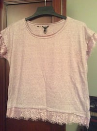 New  lilac color Buffalo top with lace size medium Laval, H7X 3M8