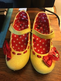 Minnie Mouse Shoes: Size 9/10 (3-4 years old)  Toronto, M6G
