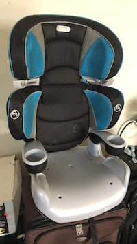 baby's black and blue Evenflo car seat Shelby Charter Township, 48317