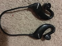 black and gray corded headphones Mississauga, L5N 2W2