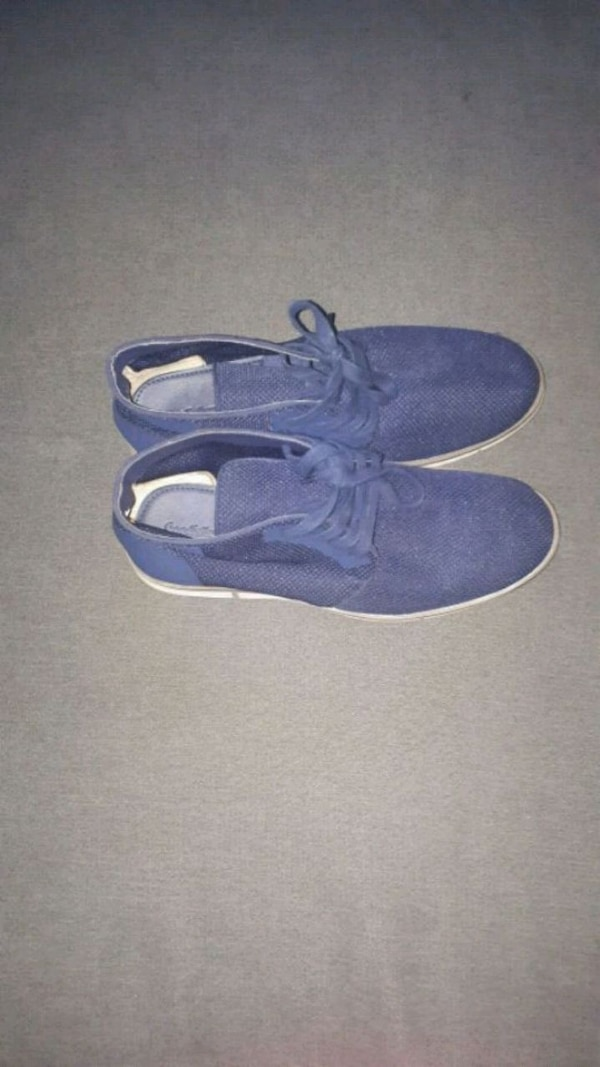 Blue casual shoes -size 7