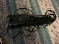 Black Revlon corded hair flat iron Hamilton, L8T 3G1