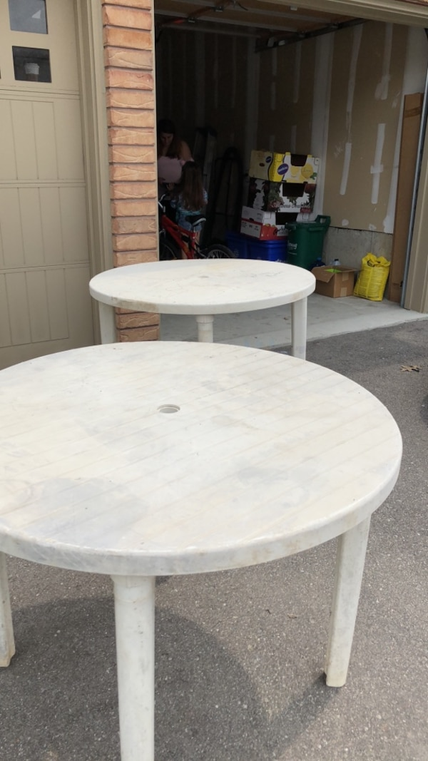 2 outdoor tables