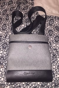 Calvin Klein Side Bag Unisex Richmond, V7A 3B3