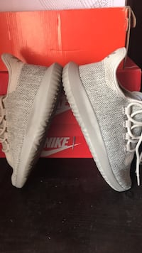 Pair of gray adidas yeezy boost 350 size 7 in men  Los Angeles, 90011