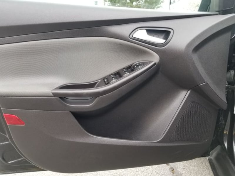 2014 Ford Focus for sale 2302e302-118a-4760-ad7b-152350425f93