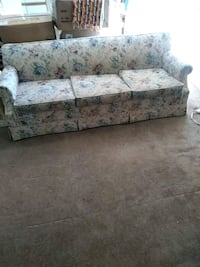 white and blue floral fabric 3-seat sofa Palmdale, 93550