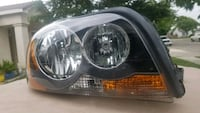 Volvo XC90 Pass (R) Headlight. Excellent condition Tulare, 93274