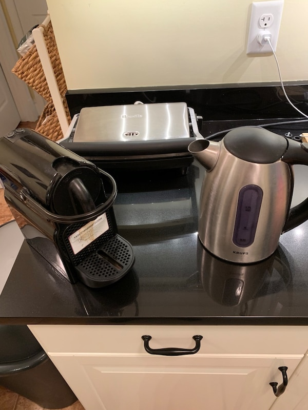 Small kitchen appliances bundle - Nespresso machine - Breville Toaster -  Krups Kettle