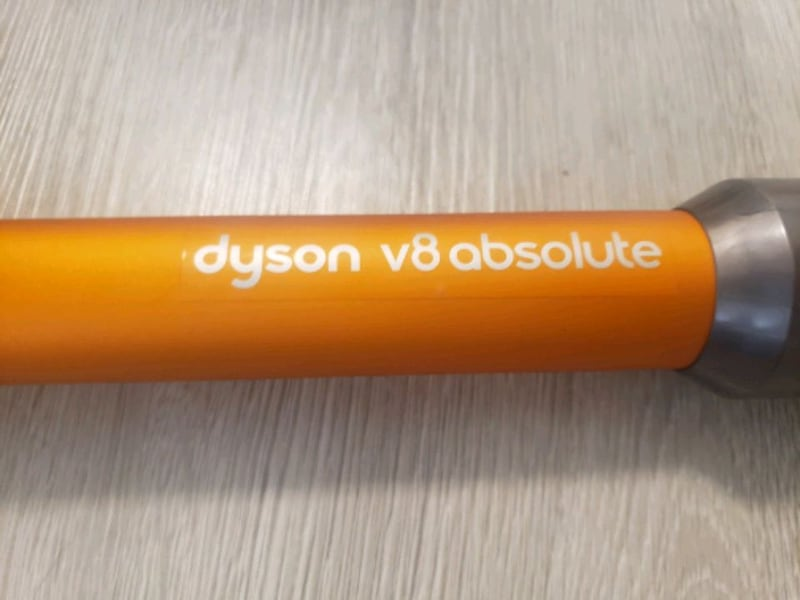 Dyson v8 absolute  a37088a7-2985-4500-8558-d1dff45f7a93
