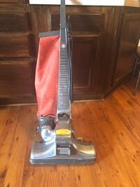 Black and gray upright vacuum cleaner Tampa, 33647