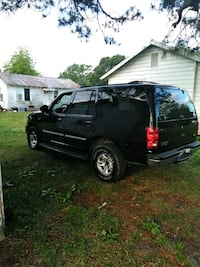 black Ford Expedition SUV