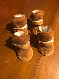 Sm/Md dog shoes size 5 Milford, 01757
