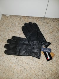 pair of black Thinsule gloves Poulsbo, 98370