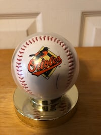 Baltimore Orioles Auto.Baseball by 2 Players, 1990's. Ball is MLB 1999 Baltimore, 21236
