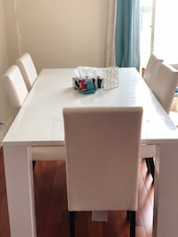 rectangular white wooden table with six chairs dining set Montréal