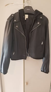 """Urban Outfitters """"Leather"""" Jacket Size M Vancouver, V6P 4E9"""