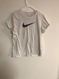 Nike, Roots, Maurices T-shirt's Size L Welland, L3C 5K9