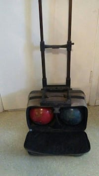 2 bowling ball sets w cases Anthony, 88021
