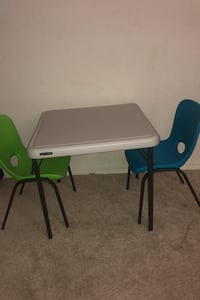 Kids table and chairs  London, N6H 4R6