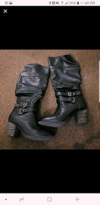 pair of black leather heeled boots Los Angeles, 90029