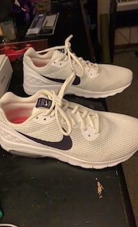 Nike Air sneakers Des Moines, 50310