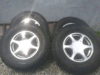 17 inch 6 bolt gmc yukon rims and BFG tires Surrey, V3S 4A2