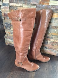Knee high leather boots Size 8 London, N5V 4V5