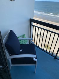 1 month old aluminum patio chairs (2) Myrtle Beach, 29577