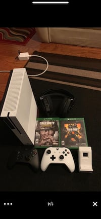 White xbox one console bundle l!! Alexandria, 22310