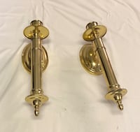 two brass-colored candle holders Alabaster, 35007