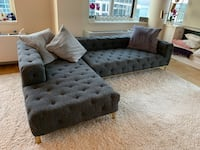 Sectional tufted Sofa New York, 10016