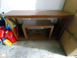 FREE Tv table without fireplace FREE / pick up only.. NO delivery
