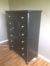 black wooden 5-drawer tallboy dresser Kelowna, V1Y 3E9