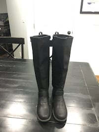 Pair of never before worn JustFab black leather knee-high buckled boots size 8.5 Vancouver, 98682