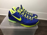 blue-and-green Nike basketball shoes with box Columbus, 43054