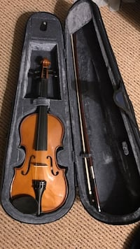 brown violin with bow in case Sandy Springs, 30319