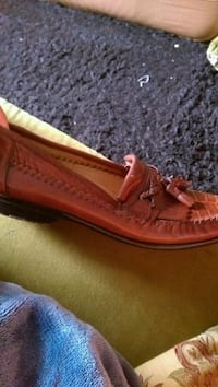 unpaired brown leather boat shoe Brooklyn, 11209