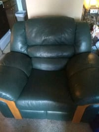 Rocking cushioned Recliner
